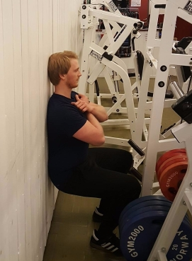 isometric-squat.jpg